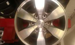 "16""Inch mag wheels for Toiyota Hillux bakkies (4) like new for s ale."