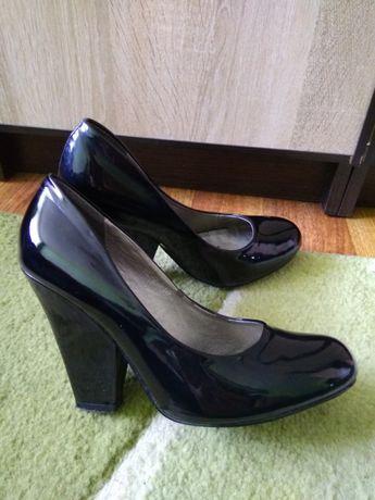 Туфлі  100 грн. - Жіноче взуття Городок на Olx 11fae1533a048