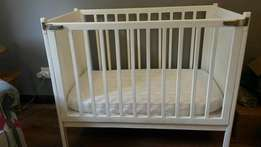 Cot and mattress in perfect condition