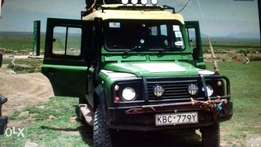 Land Rover Defender S/W, 2004 model, 300 TDI,tours with roof hatches