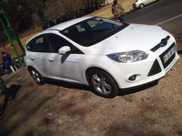 2012 ford focus 1.6 white in colour 120000km R138000