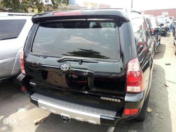 Foreign used 2005 Toyota 4runner. Limited edition. Direct tokunbo Lagos Mainland - image 8