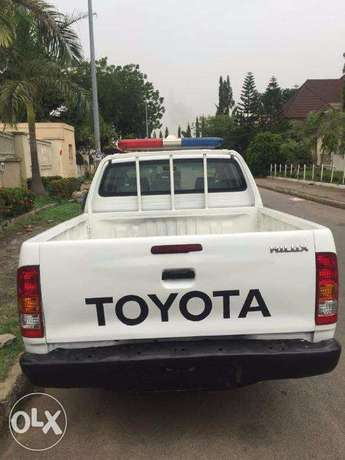 TOYOTA HILUX 2010 In Great Condition Asokoro - image 1
