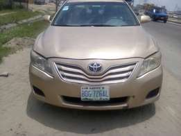 very clean Toyota Camry mussels 08 upgraded to 010 full option leather