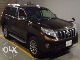 Prado 2016/ Price 7,400,000/=2700cc/Petrol/Auto/Bronze/Leather/7-Seats