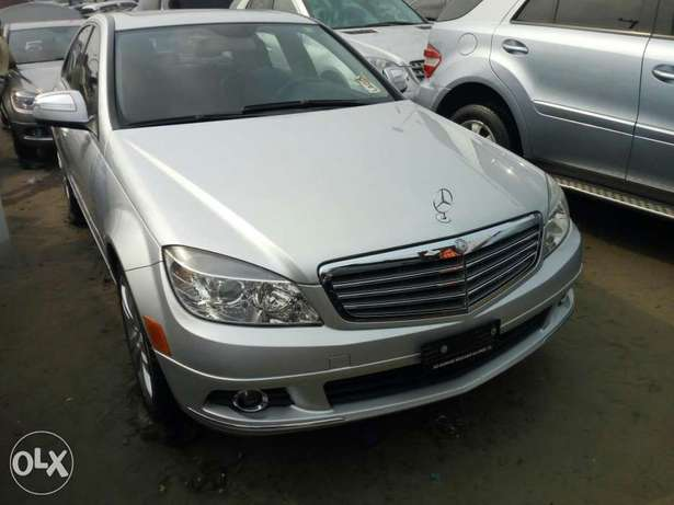 Foreign used 2008 Mercedes-Benz C300. Direct tokunbo Lagos Mainland - image 2