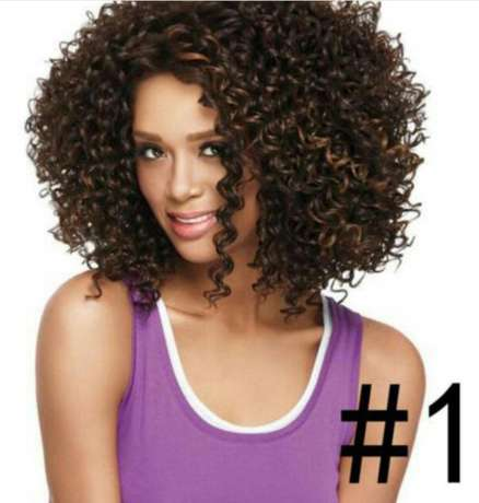 Wavy and Curly heat resistance wigs Lagos Mainland - image 3