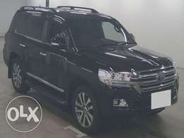 Land Cruiser ZX 2016/ Price 13,800,000/= 4600cc/Petrol/Auto/Leather