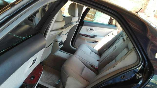 Car sale for a toyota crown royal saloon South C - image 5