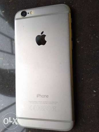 Very Clean Iphone 6 -64GB ( like brand new) with Original USB cable Benin City - image 2