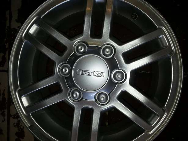 "16""inch magrims for lsuzu bakkies on sale in very good condition. Pretoria West - image 2"