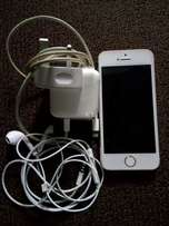 IPHONE 5S with complete accessories and functioning fingerprinting.