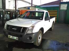 2010 isuzu 2.5 fleedside for sale