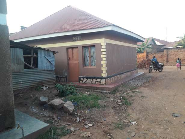 A beautiful house on urgent sale at 75m with a title in namugongo mbar Kampala - image 5