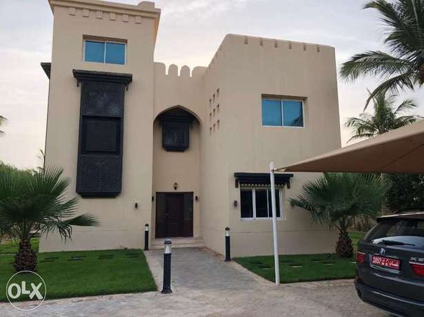 Luxurious Villa for sale in Sahal Hamran Salalah with Private Pool