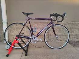 Cannondale Bicycle complete with in-house trainer for sale!!
