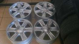 Isuzu mag Rims 16 inch good as new.