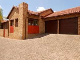R2600 3 bedroom House For Rent in Dobsonville Ext 3