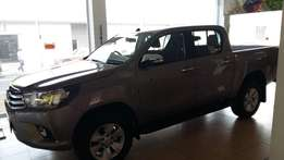 big specials new hilux 2.8GD-6 Speed 4x4 manual from toyota CALL me