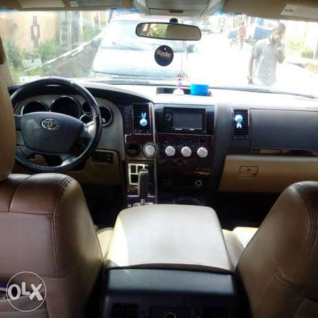 ADORABLE MOTORS: A clean, well used 08 Toyota Thundra Lagos Mainland - image 6