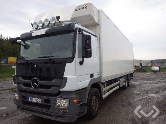 Mercedes-Benz 930.20 6x2 Box (chillers + tail lift) - 11 - 2011