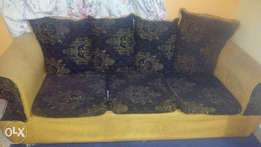 5 seater sofa,well maintained