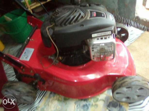 Lawn mower for sell Malindi - image 3