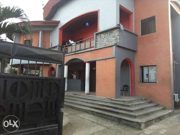 Standard hotel at GRA Phase 11, on Woji road up for sell Port Harcourt - image 2