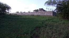 Well located 1 acre commercial in Ruiru with title