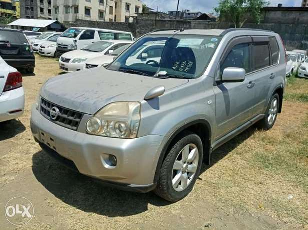 With leather seats Nissan Xtrail 2010 model. KCP number Mombasa Island - image 1