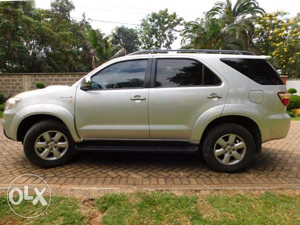 mint condition toyota fortuners Gigiri - image 5