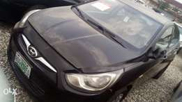 Clean Hyundai accent 2012