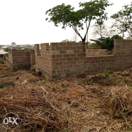 For sale uncompleted twin bungalow of 3bedrooms at asaju estate akobo Akobo - image 3