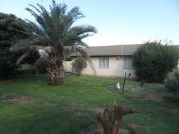 Sturdy family home with 1 Bedroom flat in Fauna!