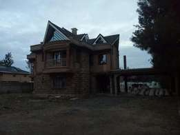 6 bedroom maisonette on thika road for sale