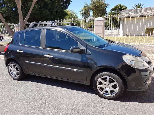 2008 Renault Clio 3 1.6 . ONLY 158000km Kuils River - image 1