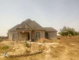 3 Bedrooms bungalow(uncompleted)for sale at mahuta kaduna south