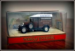 Matchbox Models of yesteryear J. Sainsbury dairy butter Y-19 Morris