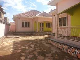 Self contained house in bweyogerere