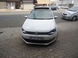 2014 polo6 Sun Roof 1.6 available for sale