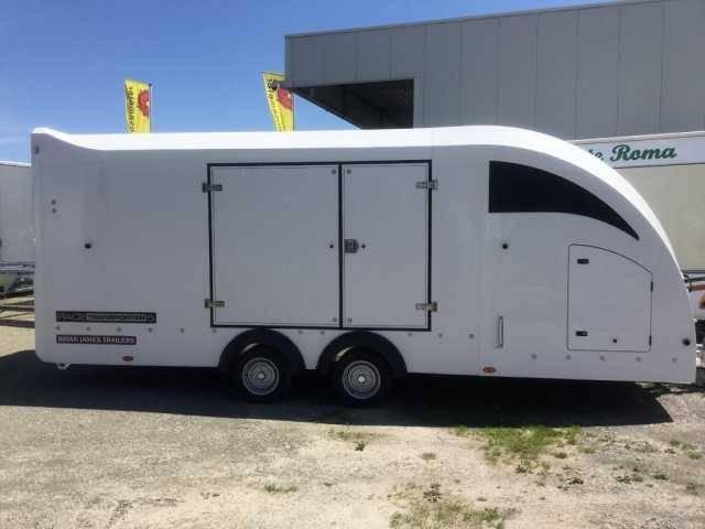 Brian James Trailers Race 5 weiß Autotransporter Mietanhänger - 2017
