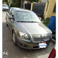 Neatly used Toyota Avensis just like tokunbo