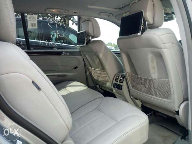 Foreign used 2012 Mercedes Benz Gl450 4matic. Direct tokunbo Apapa - image 5