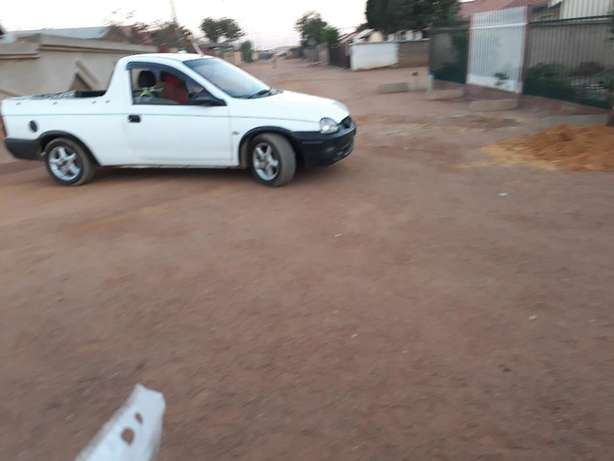 its a corsa lite bakkie still in good condtion has a low milage Soshanguve - image 3