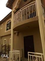 Brand new and spacious 3bedroom flat at egbeda.