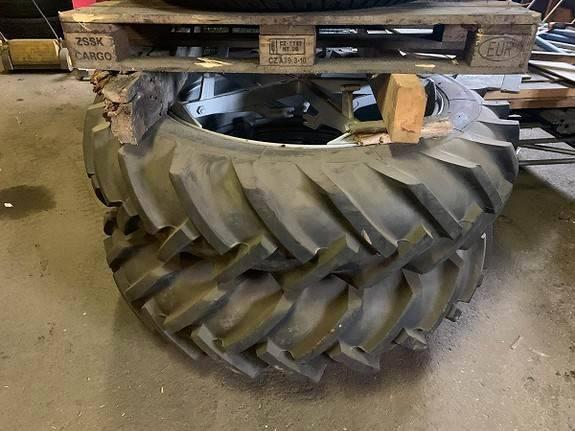 To Stk Traktordekk M. Dim 13,6 12-38 Ukjent - 2015