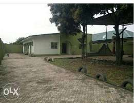 3bedroom bungalow set back for sale