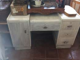 Dresser table. White Washed.