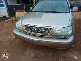 Very clean 2003 Lexus RX 300 for sale