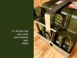 For your 4x4. Fuel jerry cans with roof roof bracket!